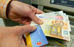 Как перевести деньги из Германии в Россию через банковские счета
